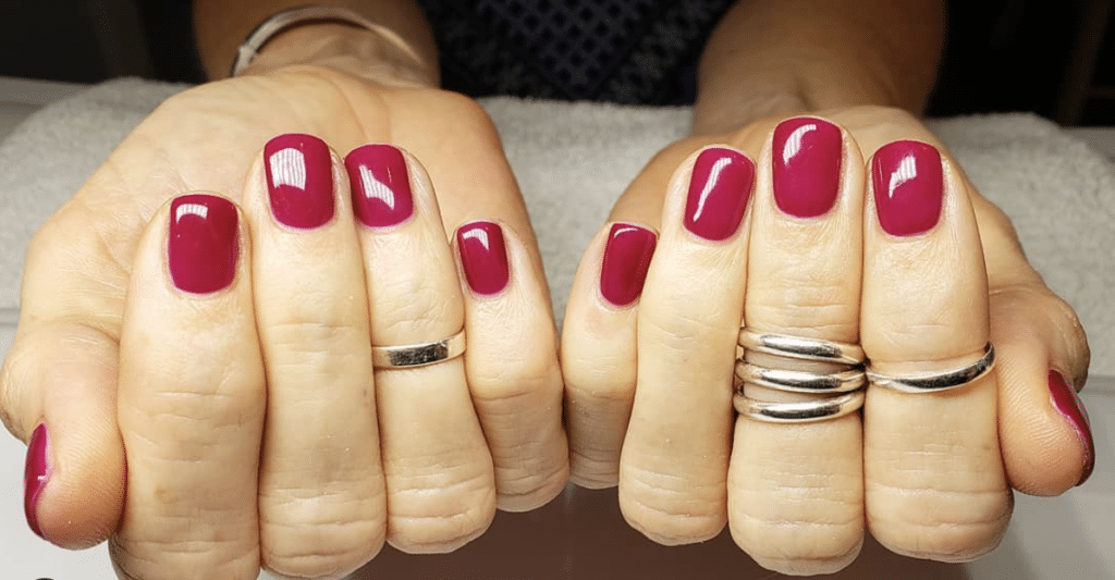 Cheap and lasting mani burgundy nails