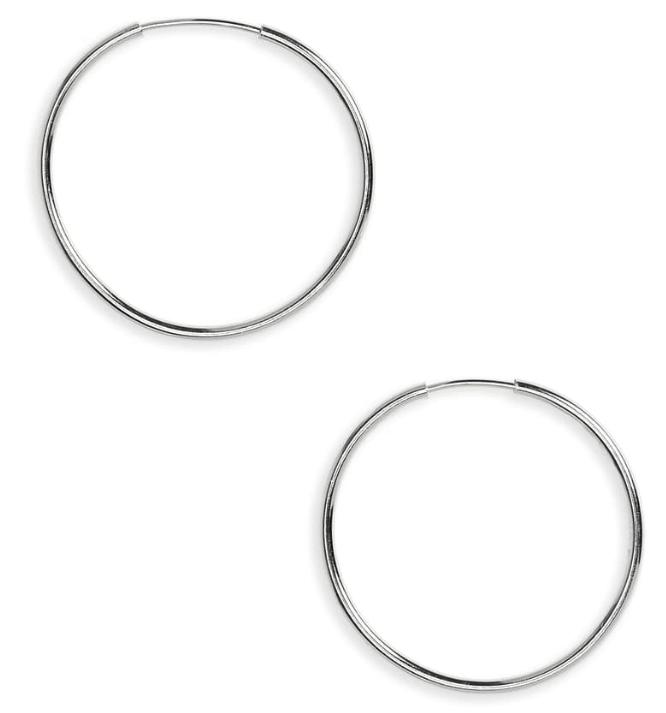 Signature jewelry - Capsule wardrobe essentials