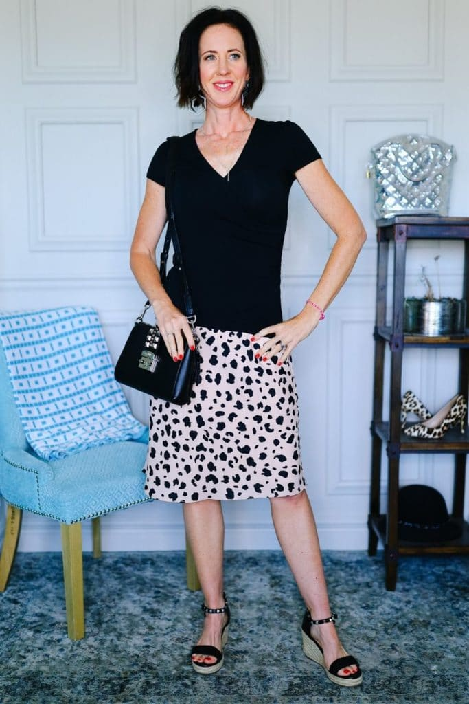 What Does Your Style Say About You? - Leopard skirt