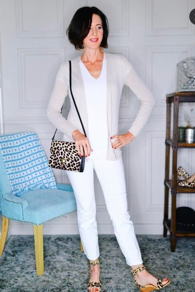 EffortlessStyle–CoverYourBasicsforEasyOutfits allwhite