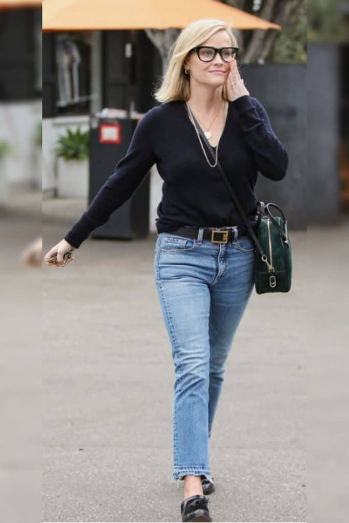 Reese Witherspoon showing off her cute classic style.