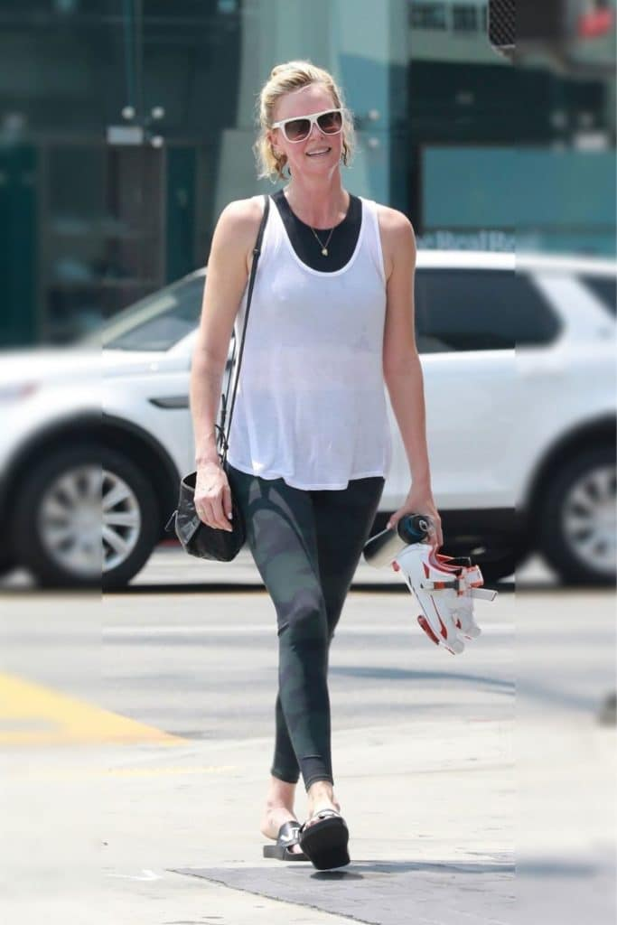 Charlize Theron has an inverted triangle body shape.