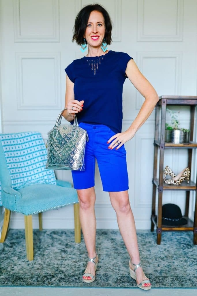 April from Stunning Style wearing silver basic sandals as part of her summer capsule wardrobe.